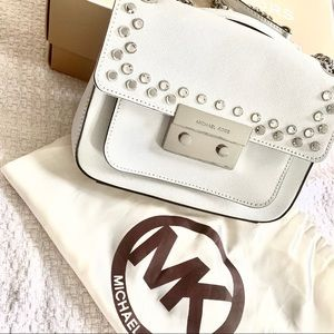 Super cute Michael Kors white bag, like new!!!!!